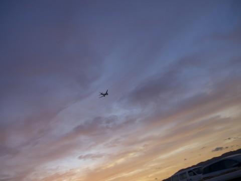 夕暮れの伊丹空港にて